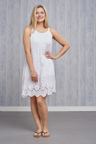 Belle Love Italy Embroidered Lace Dress