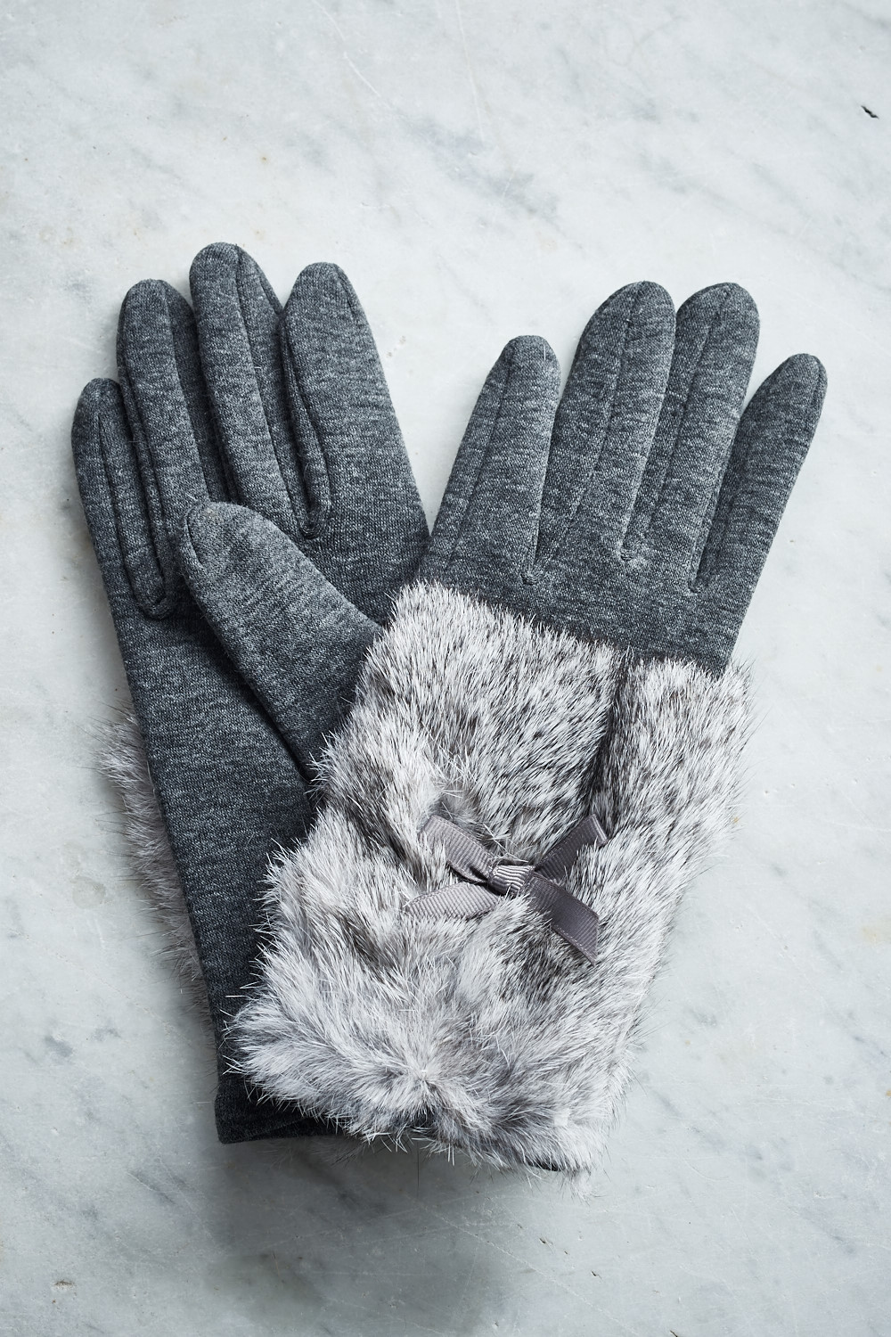 Belle Love Italy Fur Bow Gloves