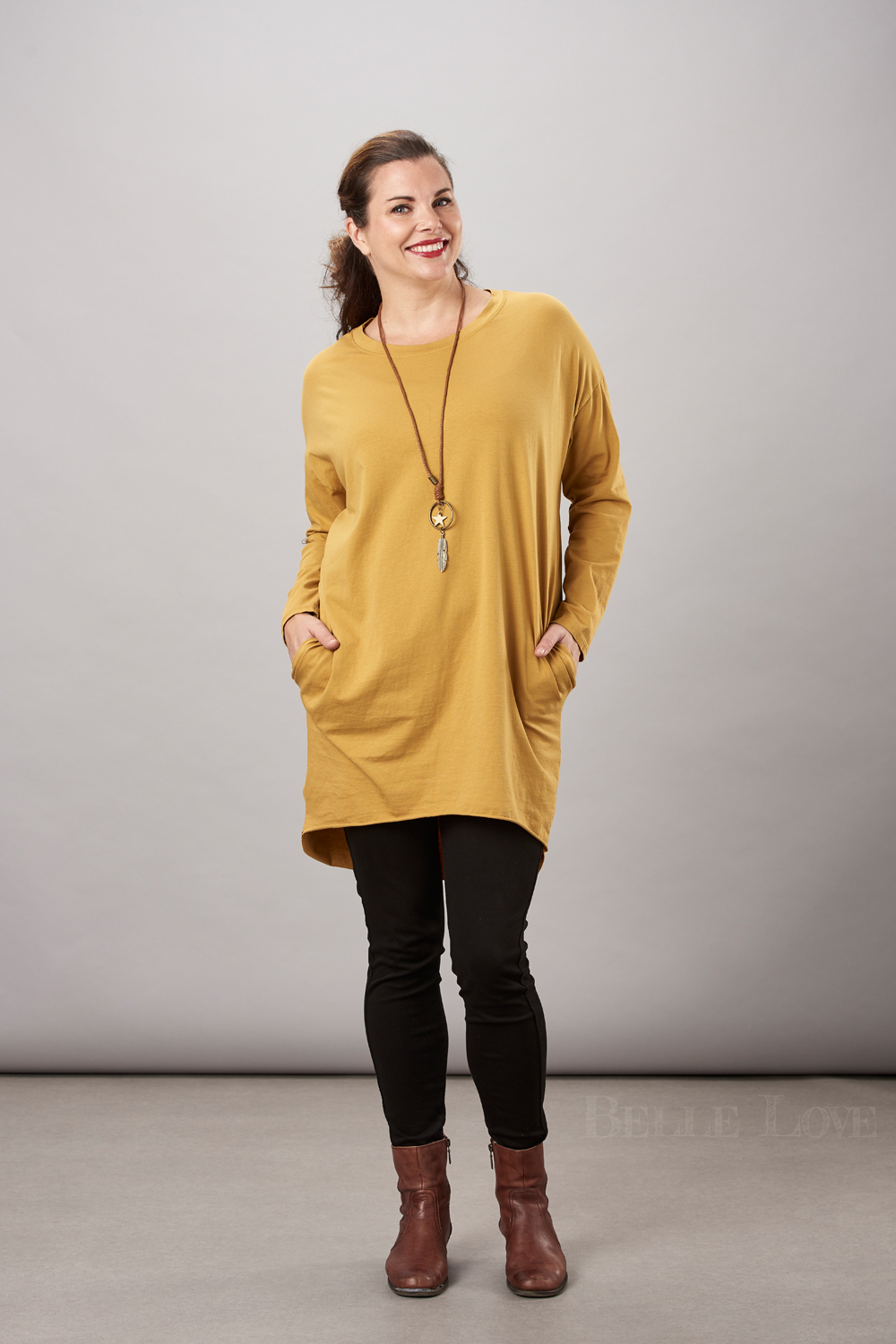 Belle Love Italy Basic Dipped Hem Top