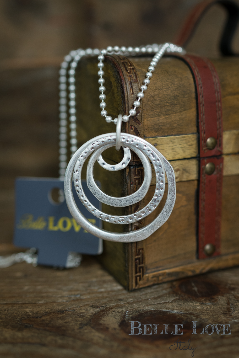 Belle Love Italy Circle Pendant Necklace