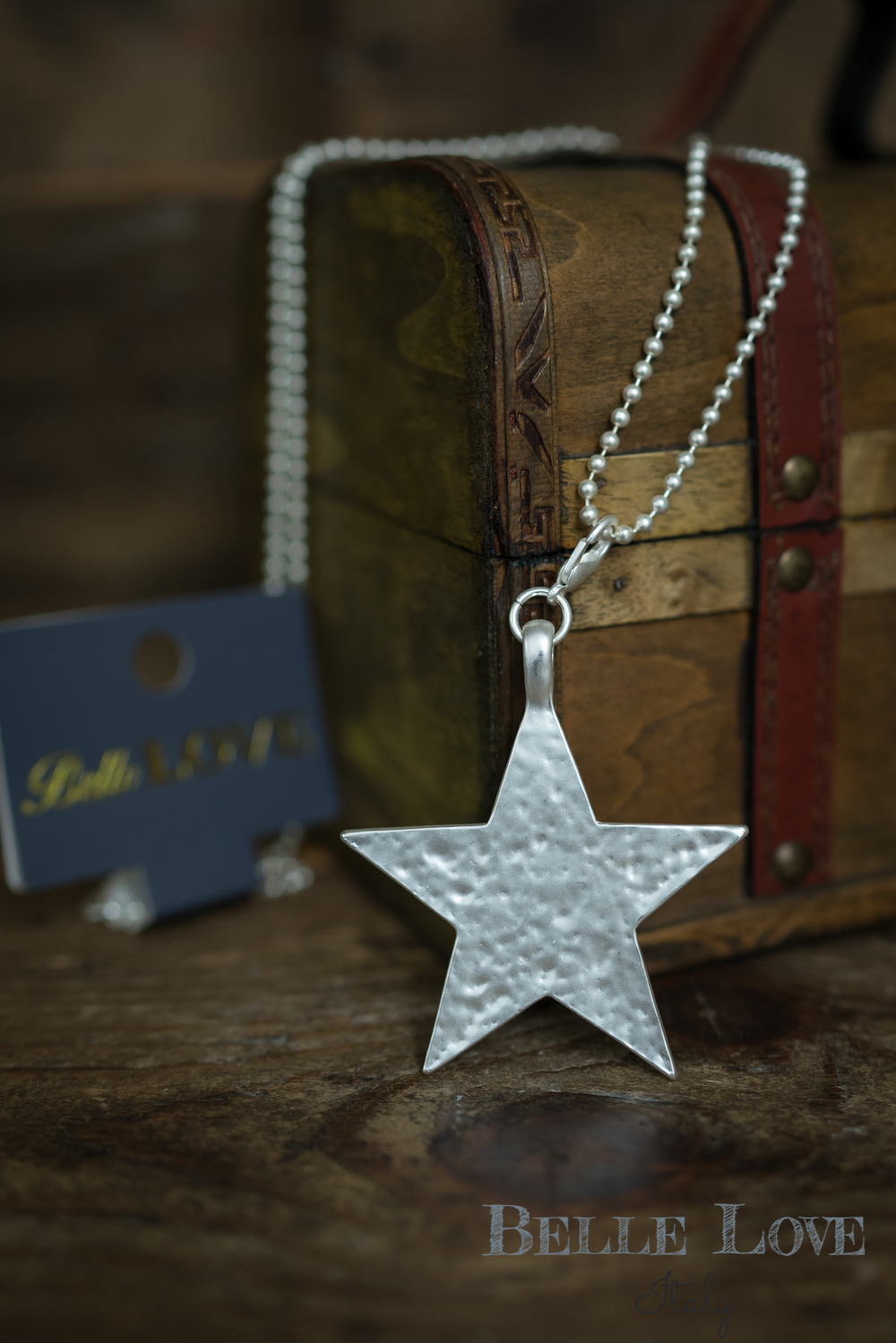 Belle Love Italy Beaten Star Pendant Necklace